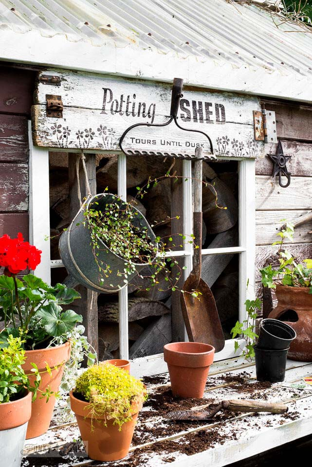 DIY Potting Shed Garden Sign #diy #pallet #sign #decorhomeideas
