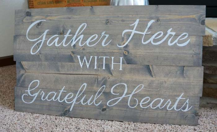 DIY Stained and Painted Wood Idea #diy #pallet #sign #decorhomeideas