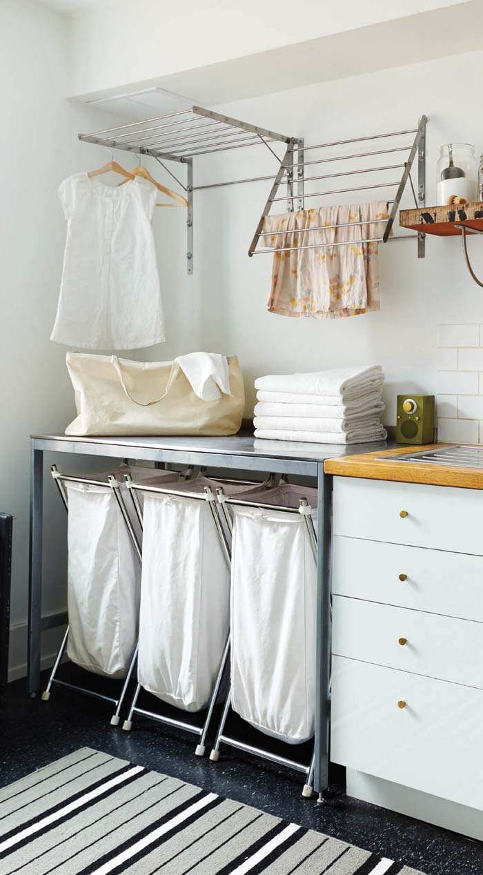 Easy Beachy Sorting Laundry Room #laundryroom #small  #design #decorhomeideas