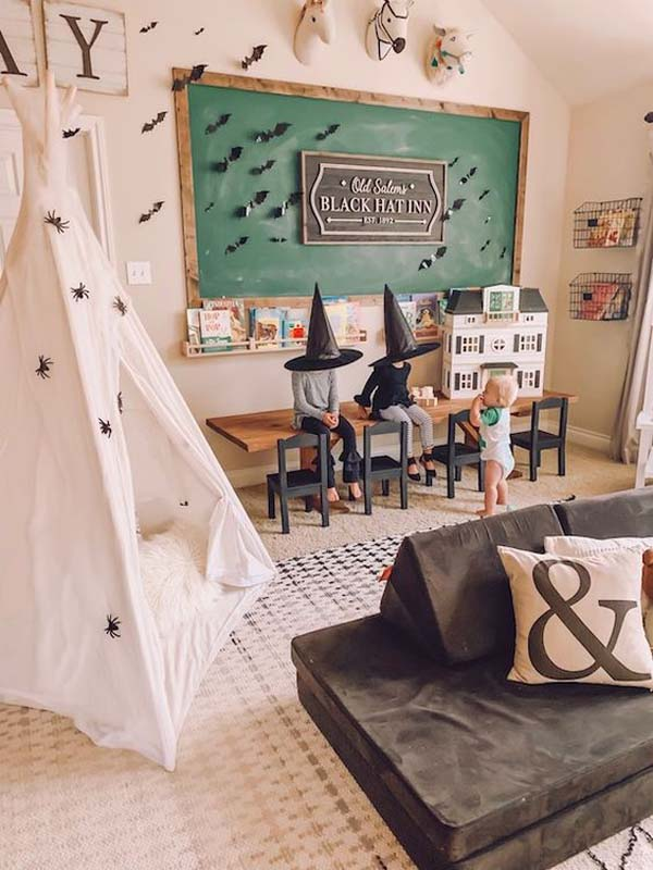 Easy DIY Halloween Playroom Design #halloween #kidsroom  #nursery #decorhomeideas
