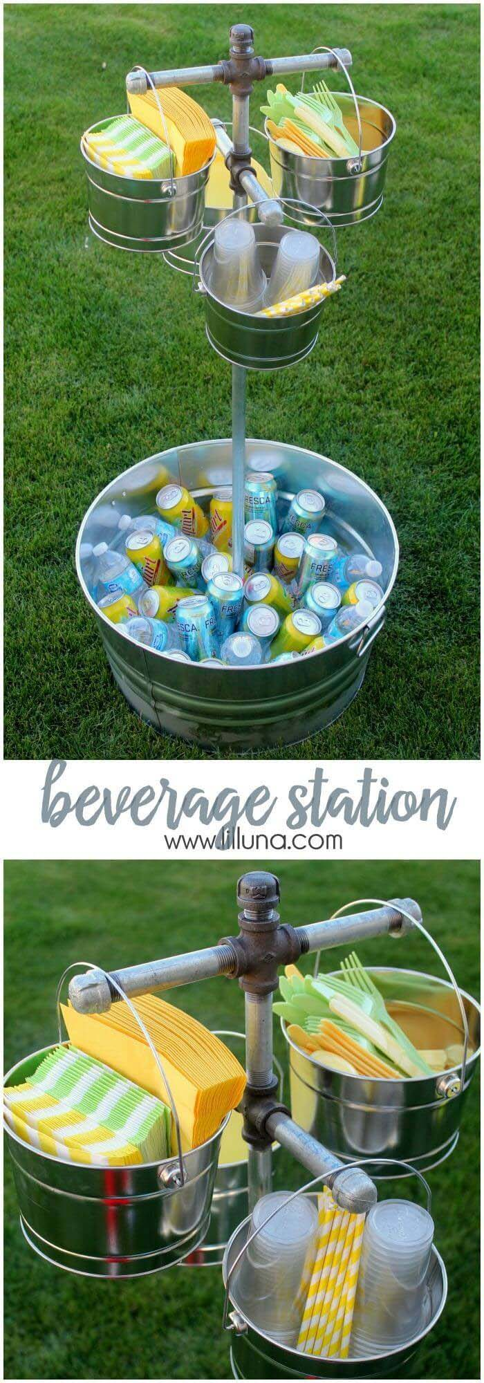 Easy Outdoor Cooler with Bucket and Ice #galvanized #tub #bucket #decorhomeideas