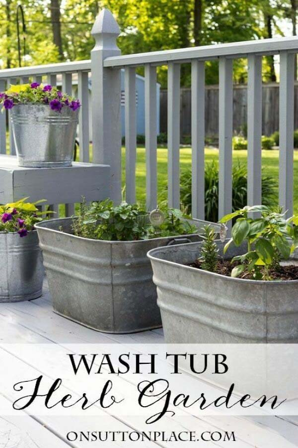 Easy Planters Made with Repurposed Galvanized Tubs #galvanized #tub #bucket #decorhomeideas