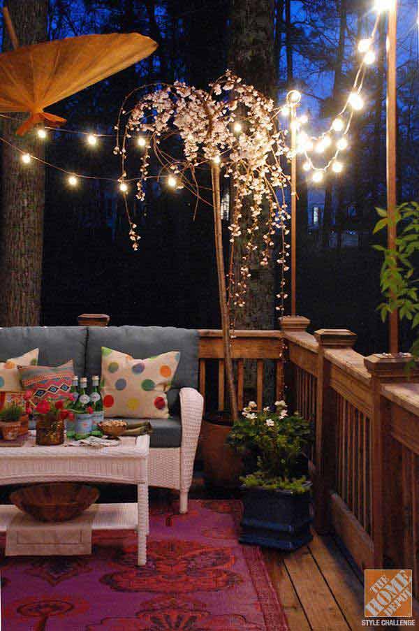 Elevated Post Lighting with Hanging Vines #stringlight #garden #yard #decorhomeideas