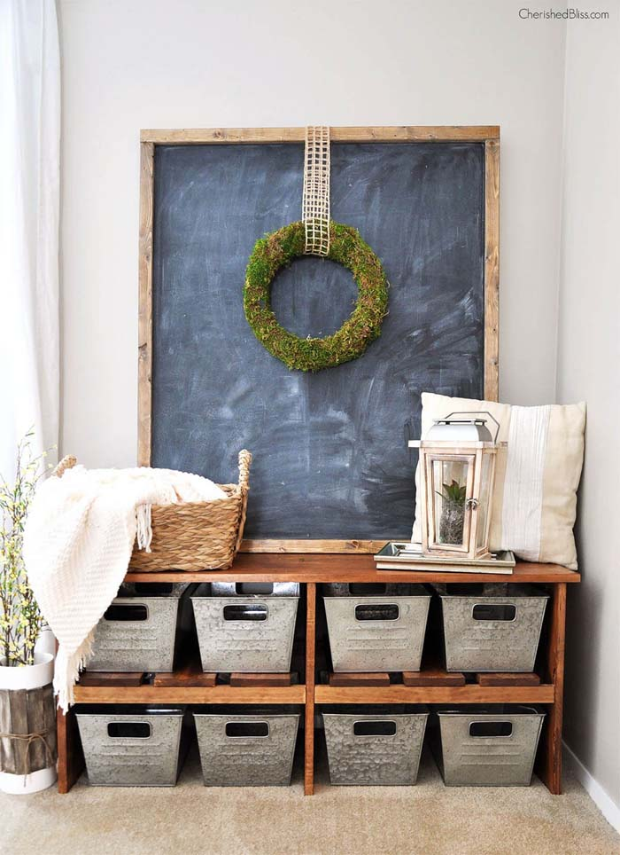 Farmhouse Framed Chalkboard And Metal Baskets #storage #mudroom #organization #decorhomeideas
