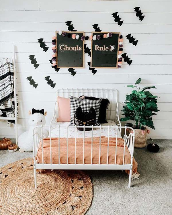 Farmhouse Halloween Bedroom Ideas For Children #halloween #kidsroom  #nursery #decorhomeideas