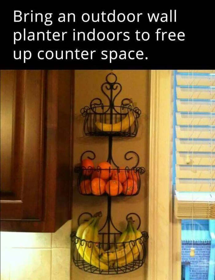 Garden-Inspired Wrought Iron Fruit Baskets #dollarstore #storage #organization #decorhomeideas