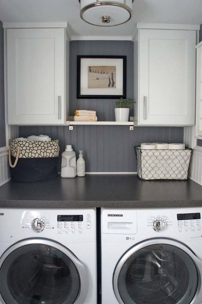 Gray and White and Warm Laundry Room #laundryroom #small  #design #decorhomeideas