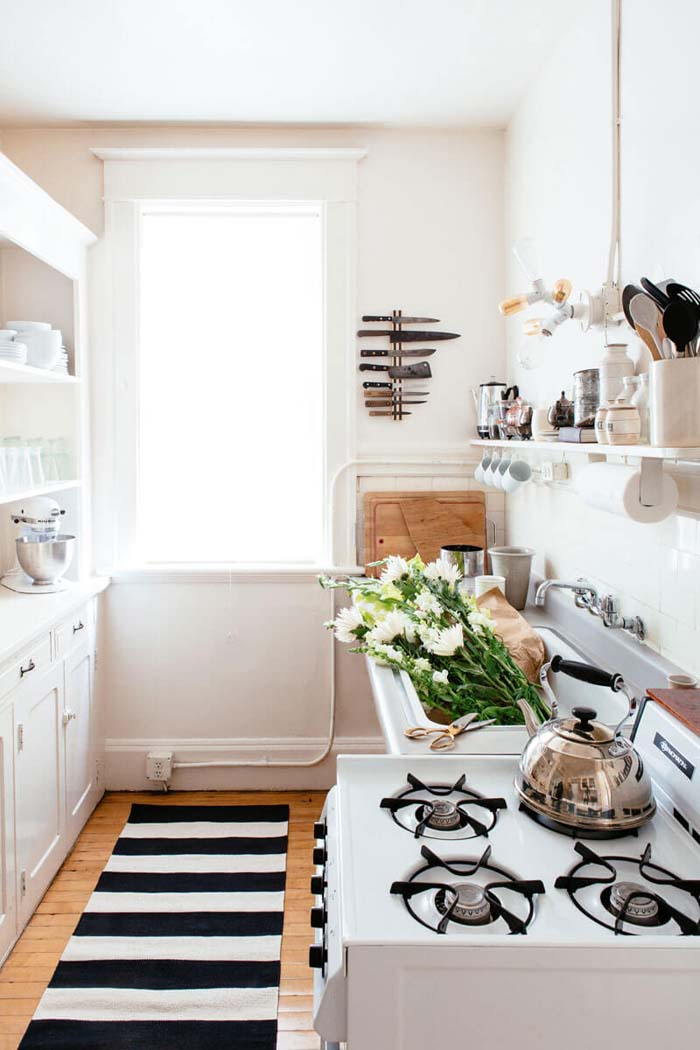Great Use of Space Without Cluttering #small #kitchen #design #decorhomeideas