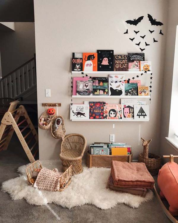 Halloween Kids Reading Nook Ideas #halloween #kidsroom  #nursery #decorhomeideas