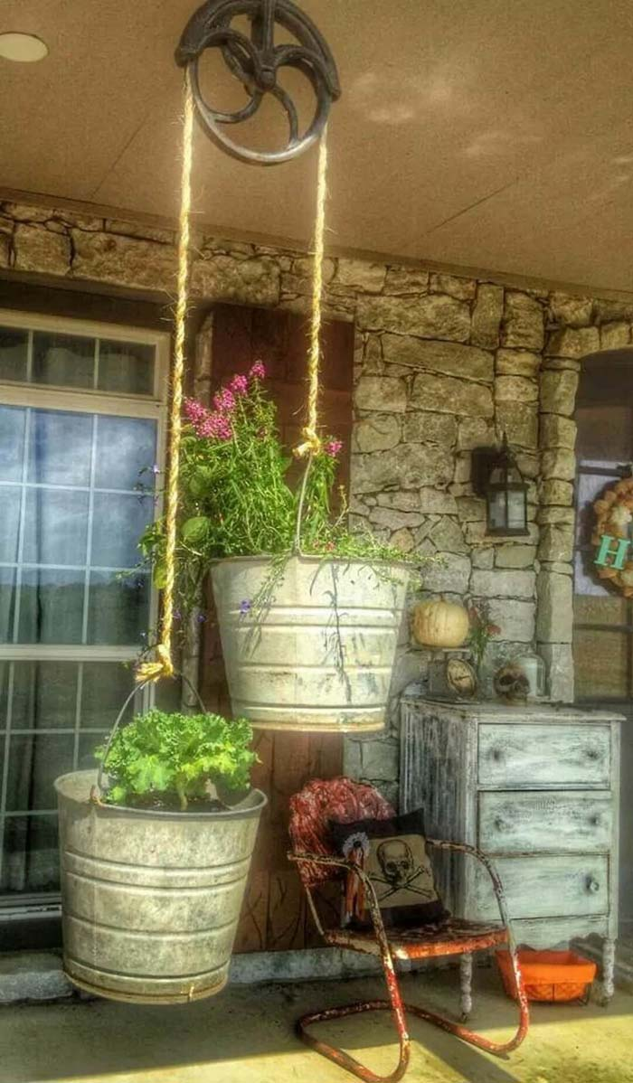 Hang Your Flowers in Galvanized Buckets #galvanized #tub #bucket #decorhomeideas