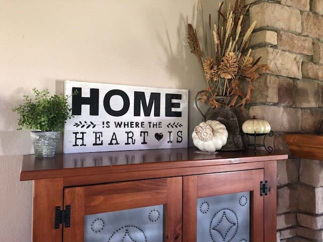 Home is Where the Heart Is Entry Greeting #farmhouse #entryway #decor #decorhomeideas