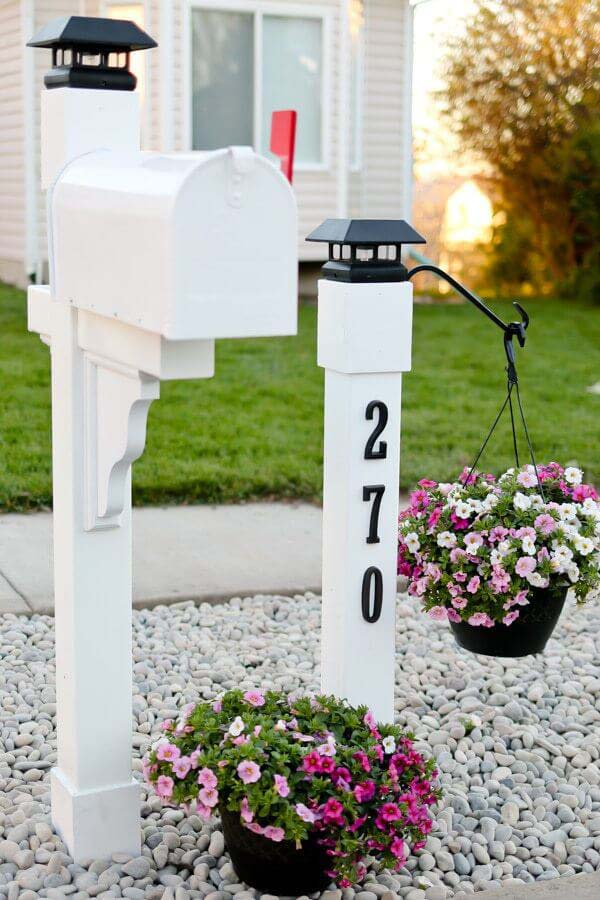 How to Pretty Up Your Mailbox #corbel #decoration #decorhomeideas
