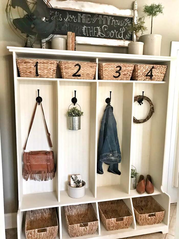 Individually Numbered Entryway Cubby with Vintage Decor #farmhouse #entryway #decor #decorhomeideas