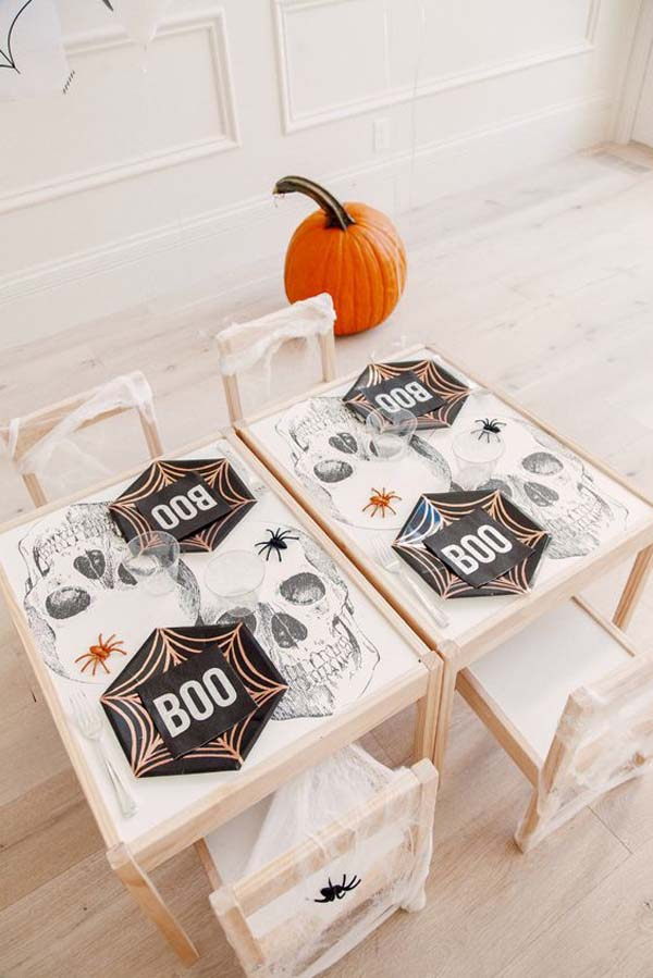 Kids Halloween Table In Playroom #halloween #kidsroom  #nursery #decorhomeideas