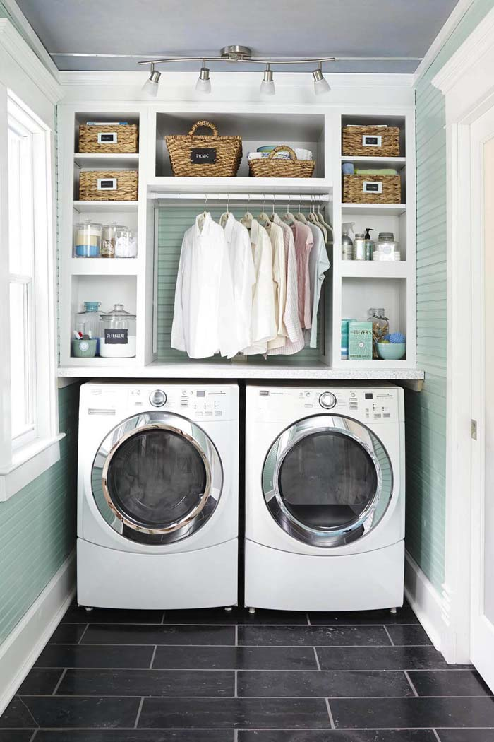 Natural Light In The Laundry Room #laundryroom #small  #design #decorhomeideas