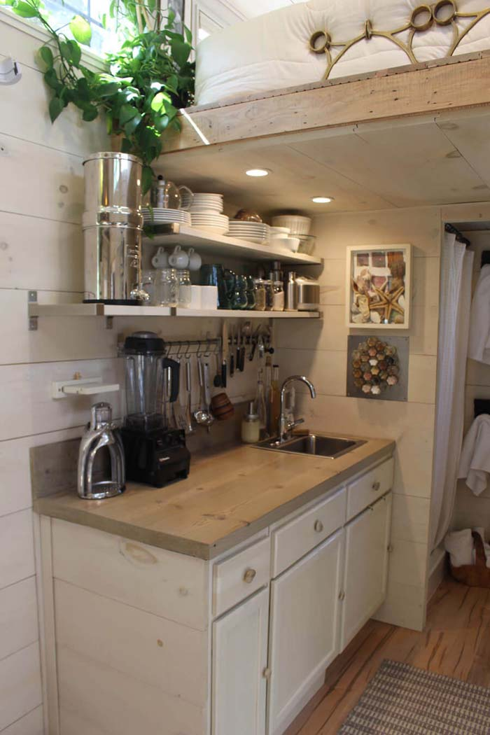 No Cupboards No Problem #small #kitchen #design #decorhomeideas