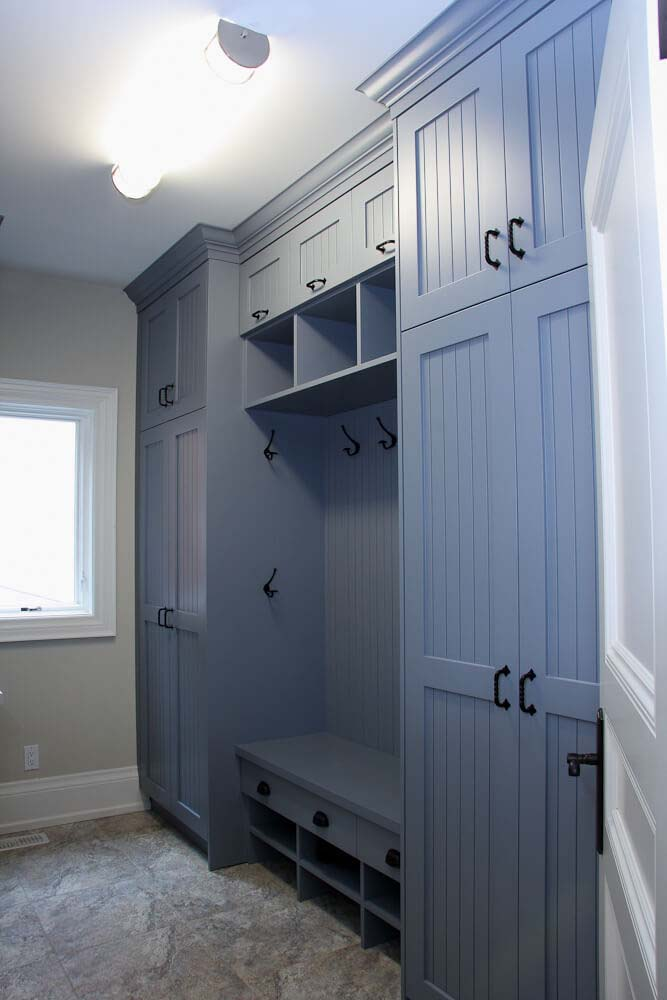 Ocean Blue Transitional Style Bench And Storage #storage #mudroom #organization #decorhomeideas