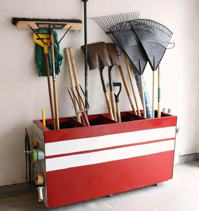 All in One Place Mobile Tool Tote #garage #organization #declutter #decorhomeideas