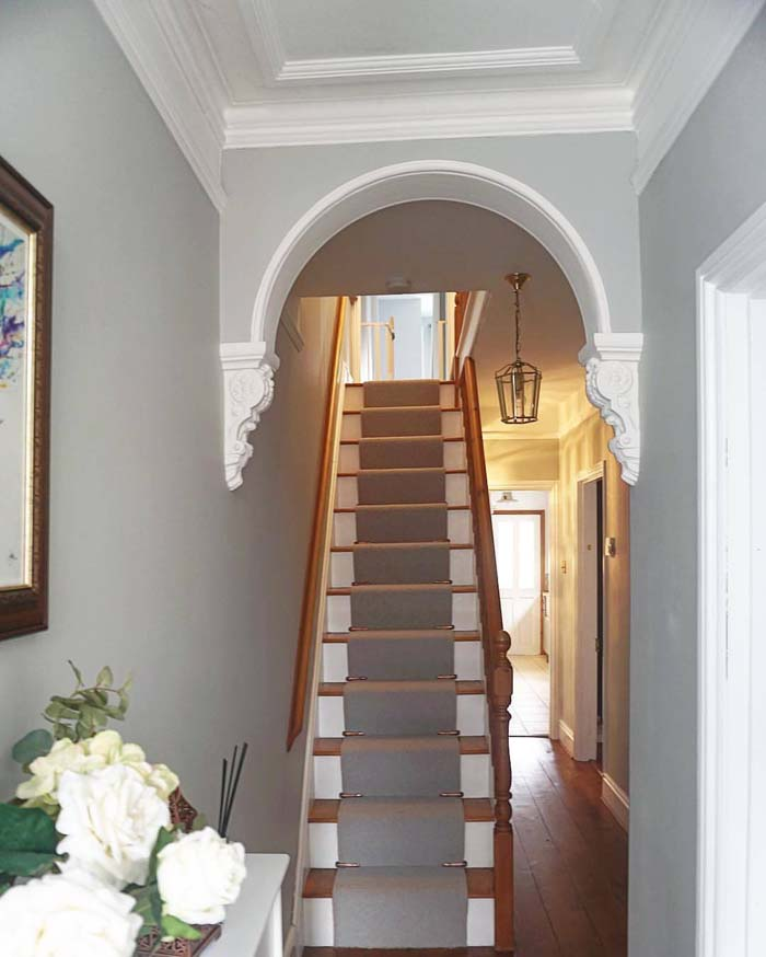 Picture Perfect with a Dimensional Stairway Arch #corbel #decoration #decorhomeideas
