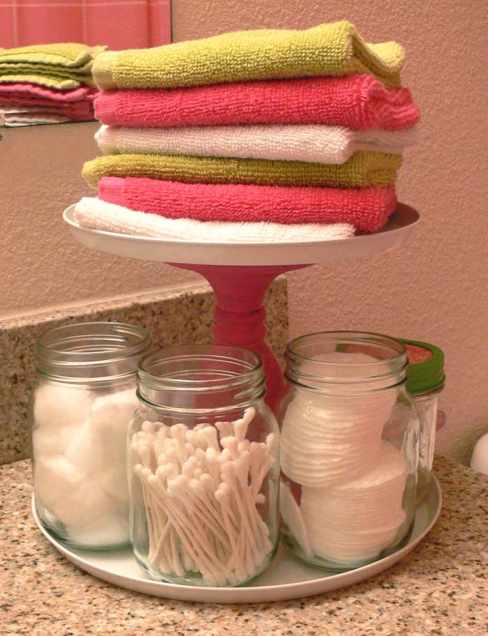 Pretty End-of-Day Face Cleaning Display #dollarstore #storage #organization #decorhomeideas