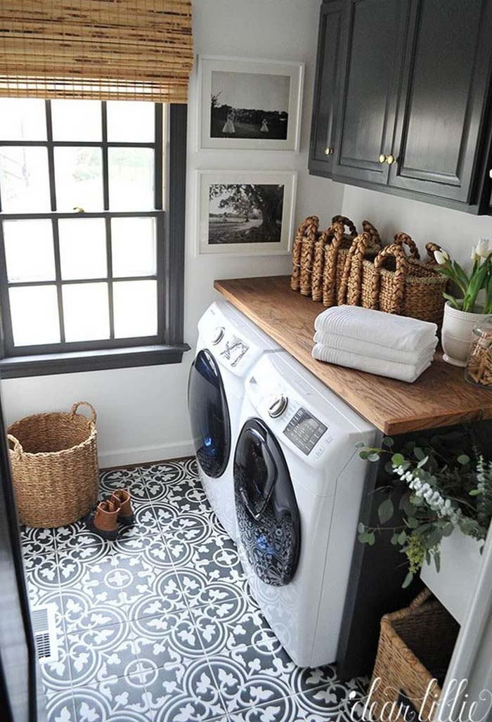 Pretty French Provincial Laundry Room #laundryroom #small  #design #decorhomeideas