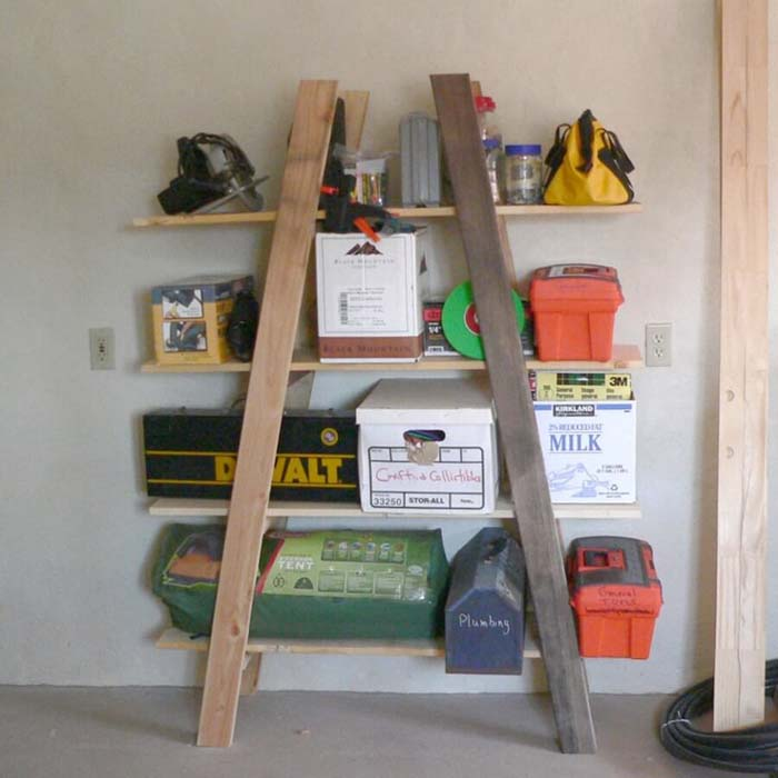 Rustic 2×4 Outdoor Supply Shelf #garage #organization #declutter #decorhomeideas
