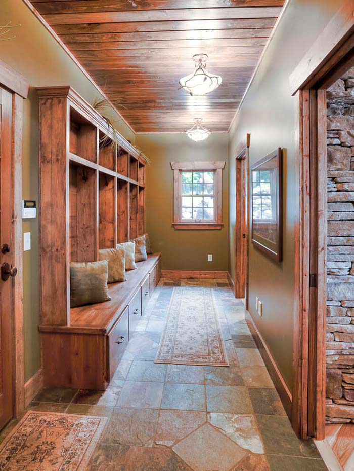 Rustic Built-in Bench And Cabinetry #storage #mudroom #organization #decorhomeideas