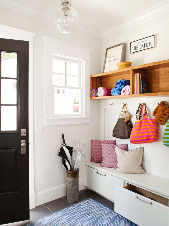 Simple And Modern Clean Lines #storage #mudroom #organization #decorhomeideas