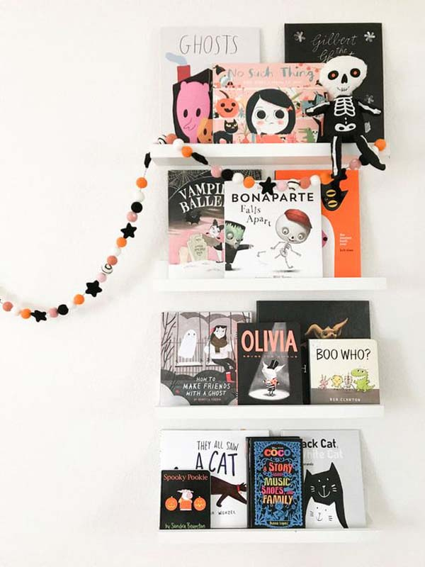 Simple Halloween Bookshelves Ideas #halloween #kidsroom  #nursery #decorhomeideas