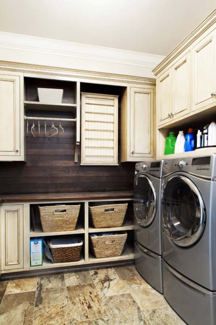 Small Laundry Room Design Ideas with Wood #laundryroom #small  #design #decorhomeideas