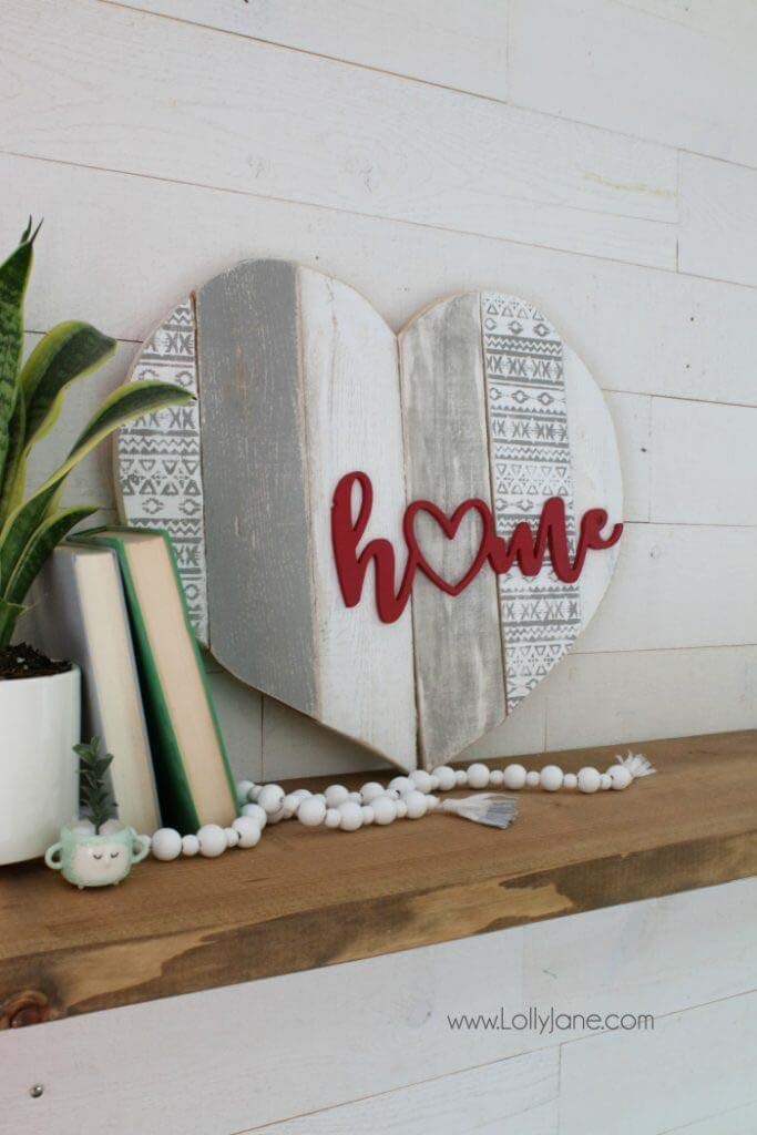 Home Stenciled Pallet Heart Home Decor #diy #pallet #sign #decorhomeideas