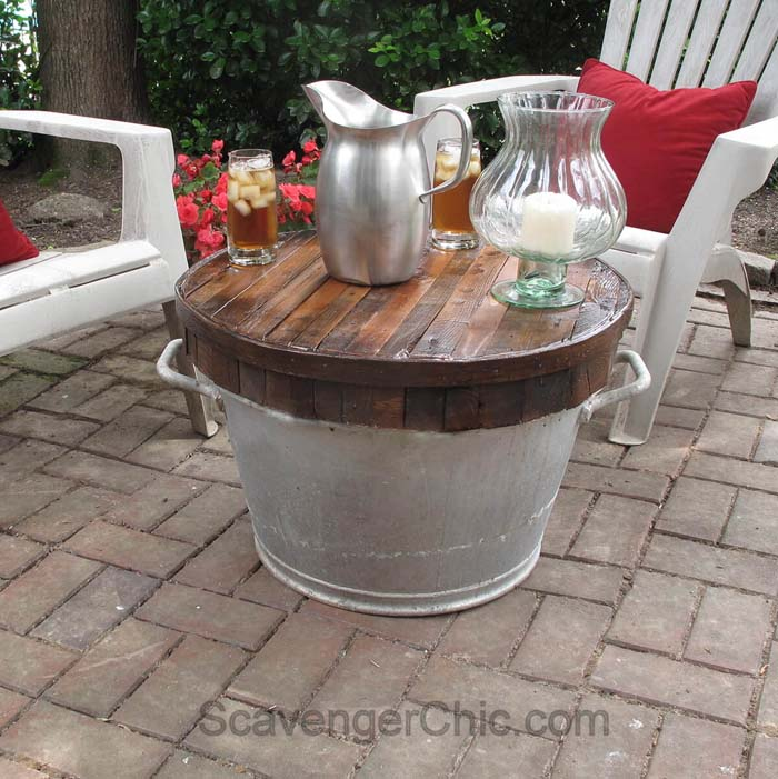 Weatherproof Outside Table with Galvanized Bucket Base #galvanized #tub #bucket #decorhomeideas