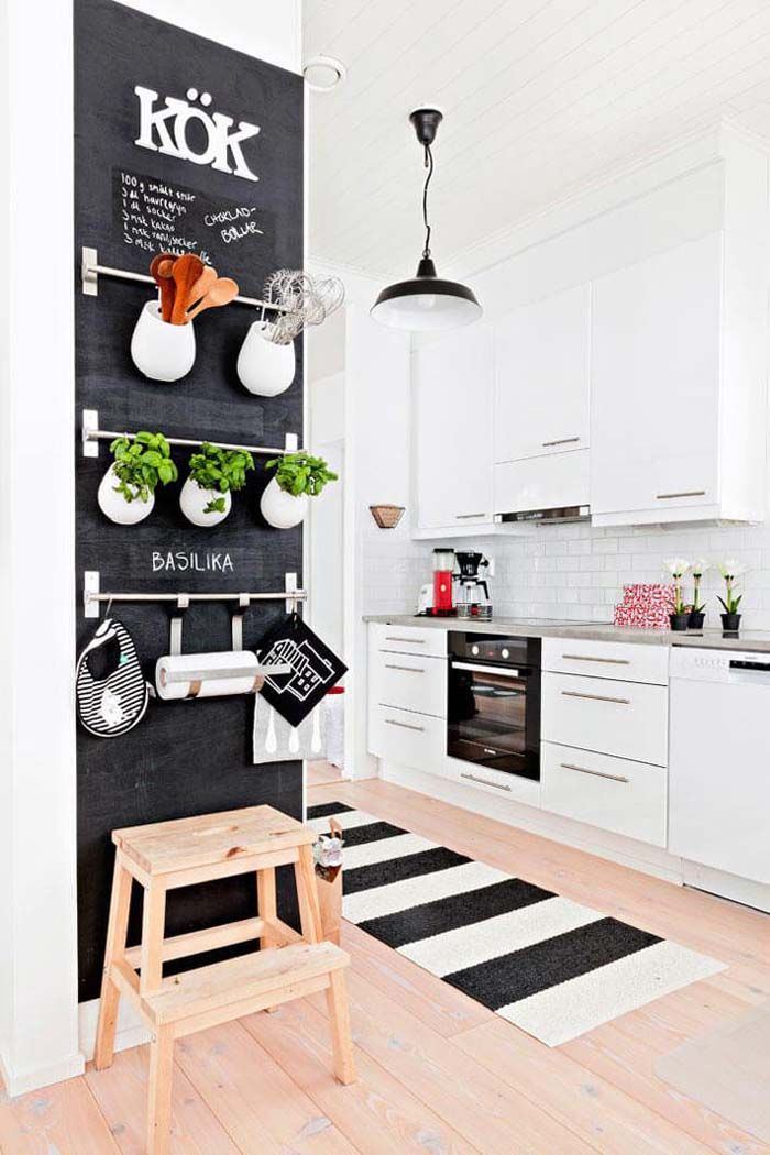 Traditional Black and White With a Twist #small #kitchen #design #decorhomeideas