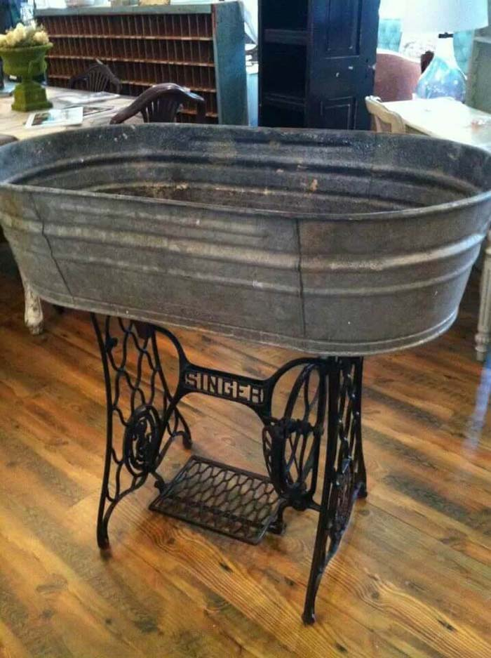 Wash Tub and Sewing Machine Base Create Magic #galvanized #tub #bucket #decorhomeideas