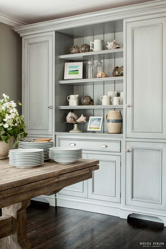 Washed Out New England Cottage Storage #diningroom #storage #decorhomeideas
