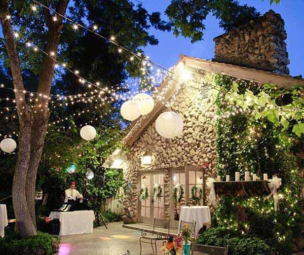 Wedding-Worthy String Lighting and Paper Lanterns #stringlight #garden #yard #decorhomeideas
