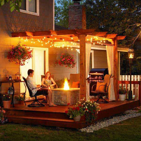 White Lights Create a Glowing Deck #stringlight #garden #yard #decorhomeideas