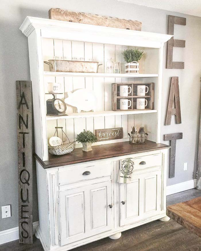Classic Whitewashed Country Kitchen Hutch #diningroom #storage #decorhomeideas