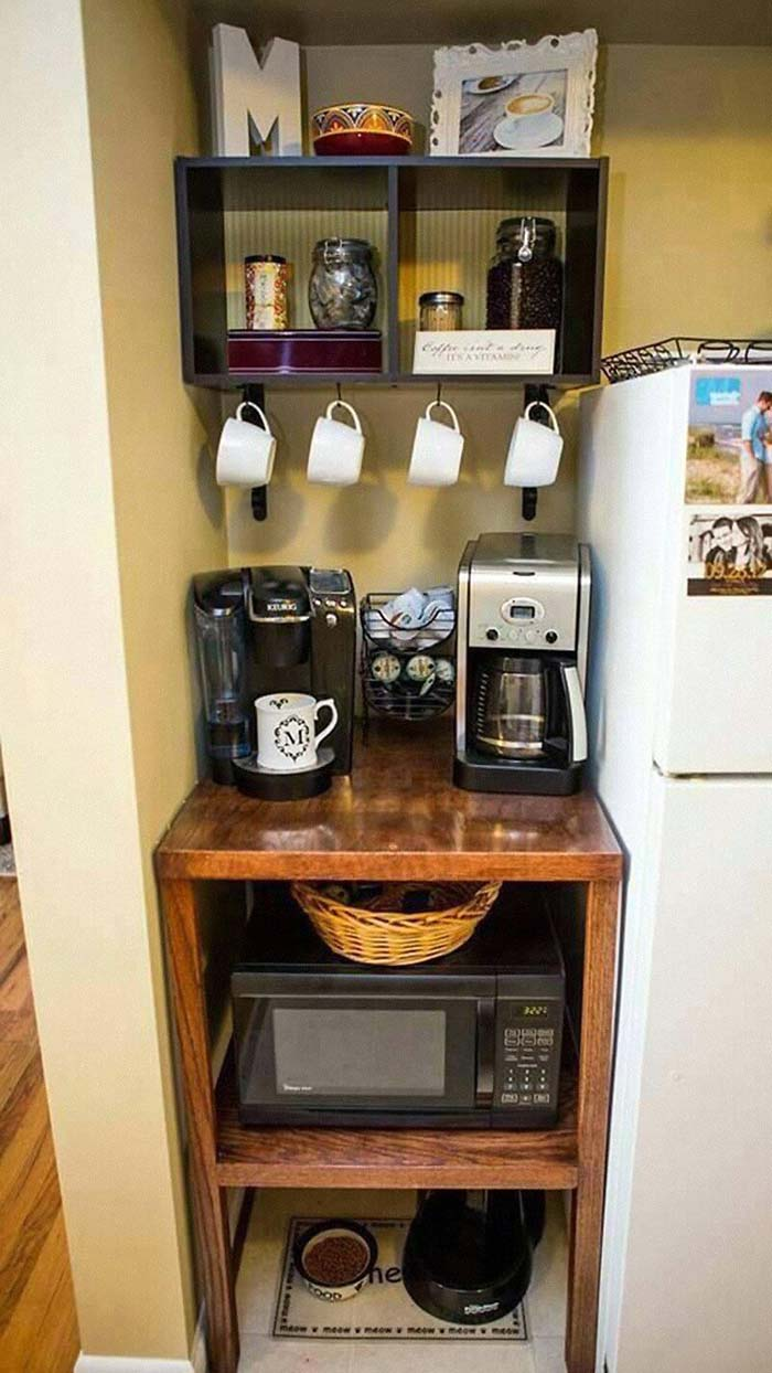 A Coffee Nook for Breakfast Convenience #smallkitchen #storage #organization #decorhomeideas