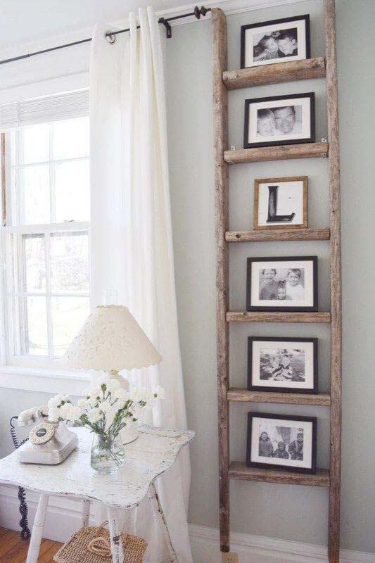 A Rung for Every Loved One #diy #ladder #repurpose #decorhomeideas