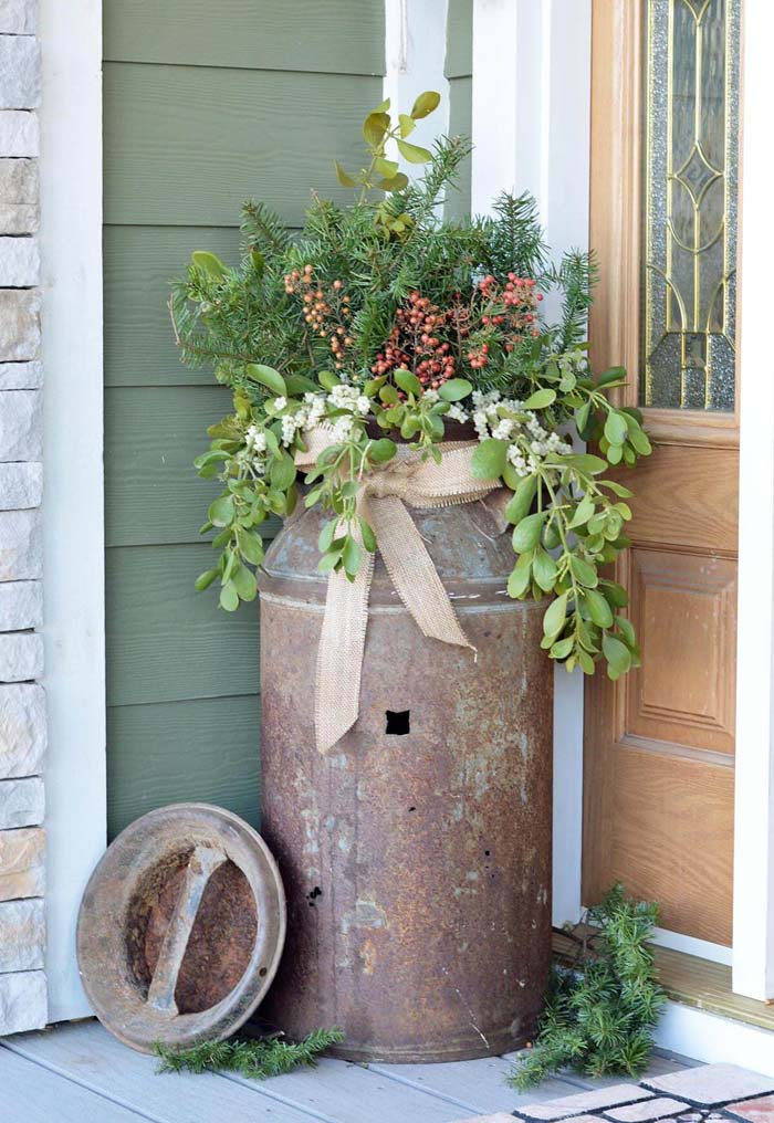Antique Milk Can Porch Planter #flowerpot #frontdoor #frontporch #decorhomeideas
