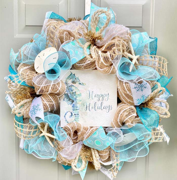 Christmas Beach Wreath #diy #coastal #christmas #decorhomeideas