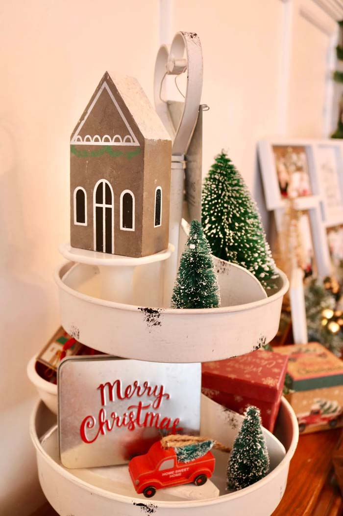 Christmas Tiered Tray With House #tieredtray #Christmas #decorhomeideas