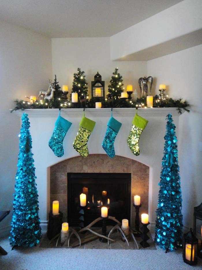 Classic Christmas with a Little Sparkle #Christmas #blue #decorations #decorhomeideas