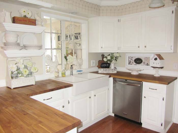 Classic White with Silver Hardware Cabinets #farmhouse #kitchen #cabinet #decorhomeideas