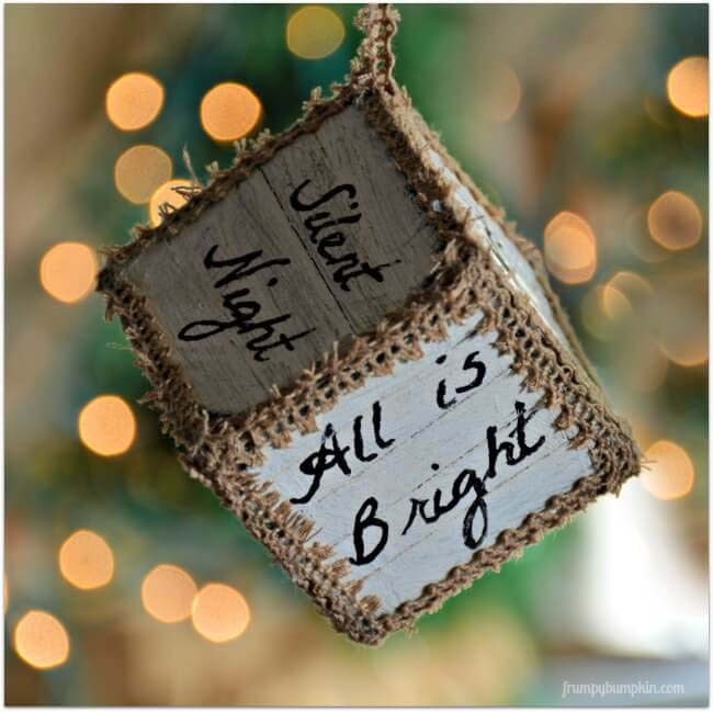 Cube Decoration Adorned with Personalized Quotes #Christmas #rustic #ornaments #decorhomeideas