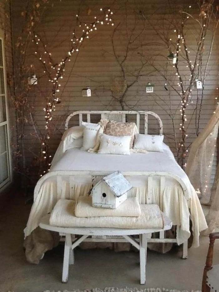 Decorative Tree Branches With Twinkle Lighting #bedroom #vintage #decor #decorhomeideas
