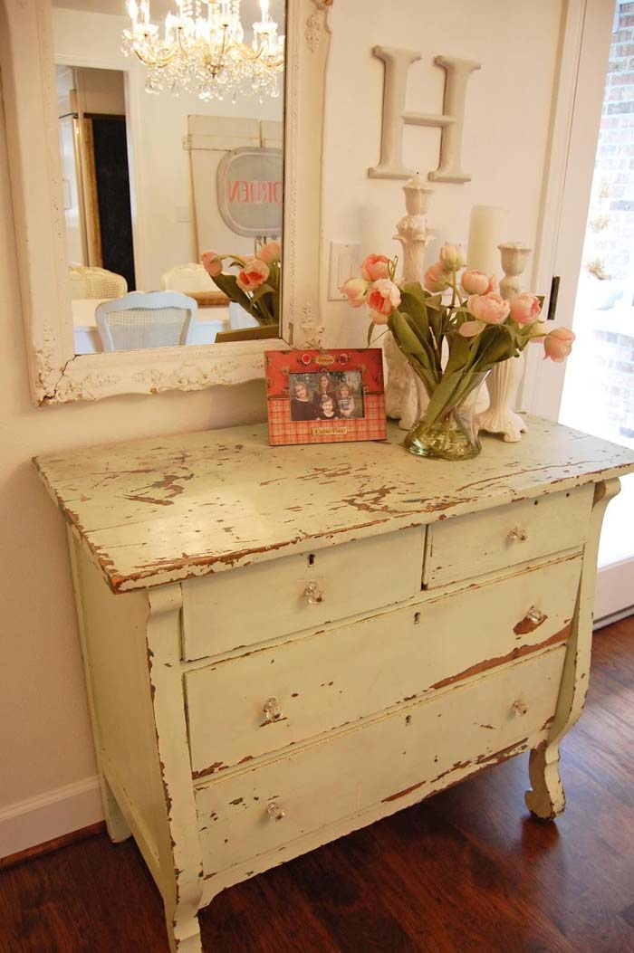 Distressed Hall Table With Ornate Framed Mirror #bedroom #vintage #decor #decorhomeideas