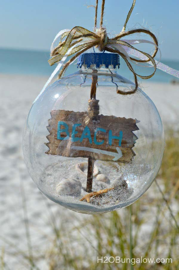 DIY Beach Themed Christmas Ornament #diy #coastal #christmas #decorhomeideas