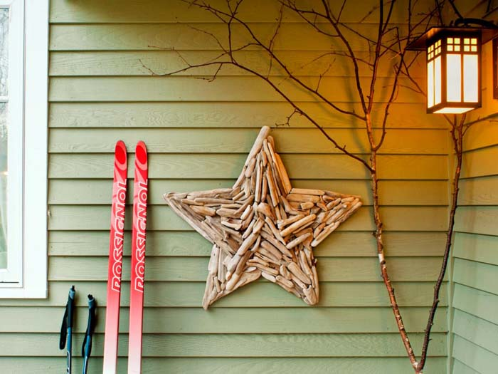 DIY Driftwood Star #diy #coastal #christmas #decorhomeideas